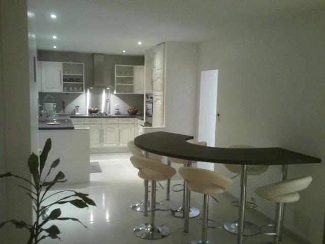 home staging cuisine rustique cuisine style maison de. Black Bedroom Furniture Sets. Home Design Ideas