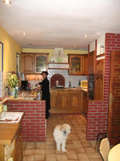 Relooking d 39 une cuisine rustique avant - Relooking de cuisine rustique ...